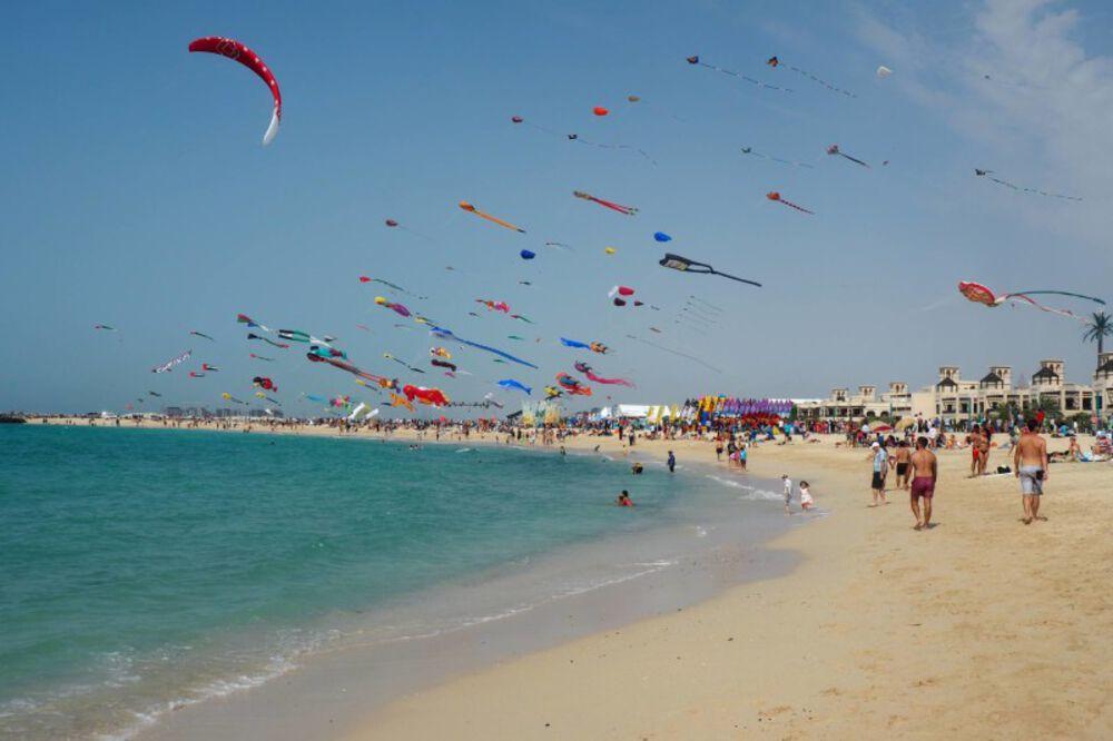 https://www.thingstododubai.com/beach-kite-beach-picture.lprg6j.max.jpg