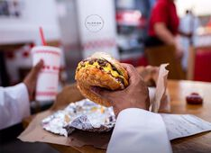 Restaurant Five Guys Dubai Picture