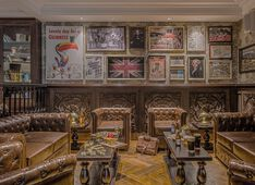 Restaurant The Rose & Crown Dubai Picture